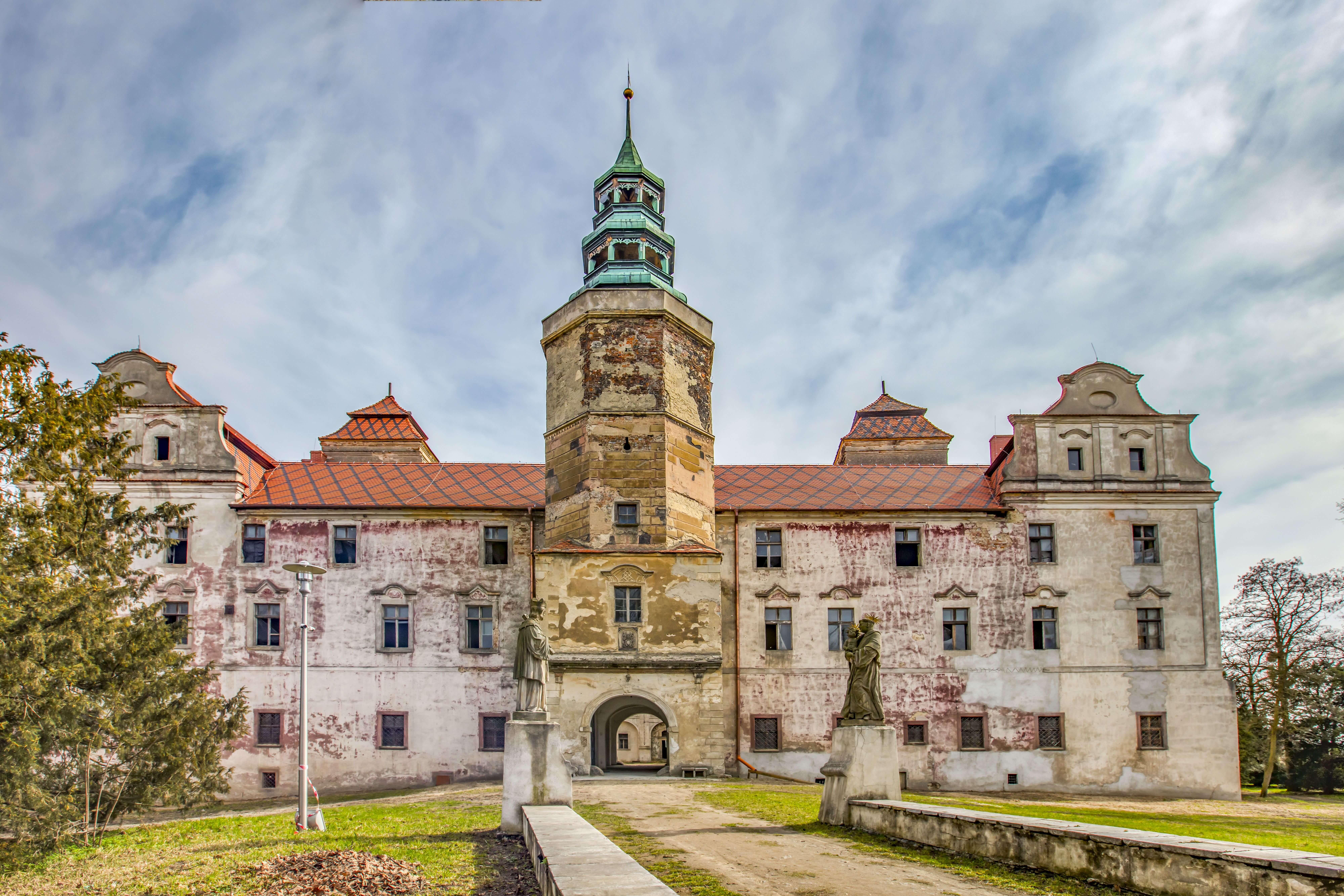Zamek w Niemodlinie. Zwycięzca rankingu w konkursie Polskiej Organizacji Turystycznej